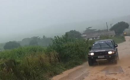 A chuva chegou na medida certa para o fim da primeira etapa do dia, mas São Pedro pesou a mão e acabou inviabilizando grande parte da segunda parte.