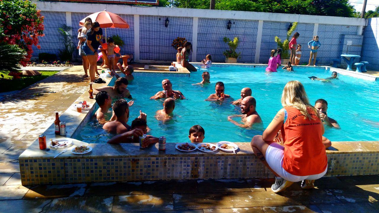 Depois de tudo isso, piscina para encerrar e a alegria de fechar a reunião somente as 08 horas da noite...