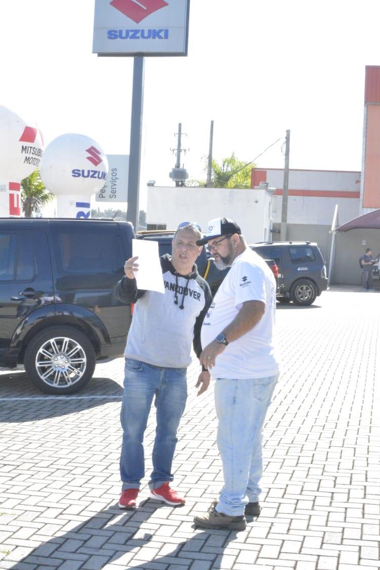 """Bruno """"Chorão"""" (A direita)  - Organizador incansável do Rallyaço cuidando de todos os detalhes até o ultimo momento."""