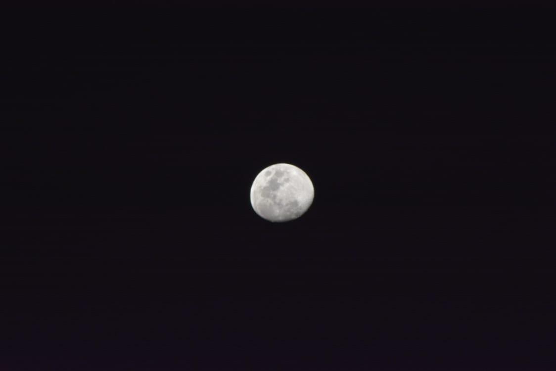 """Um dos receios da organização se concretizou dando como """"alento"""" uma bela lua com o chegar da noite"""
